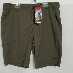 The North Face shorts 32
